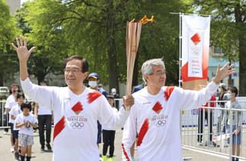 聖火リレー、宮崎で宗兄弟が登場 マラソンで活躍、太鼓響く中走行 画像1