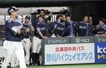 日4―4オ(25日) 日本ハムが土壇場で追い付く 画像1