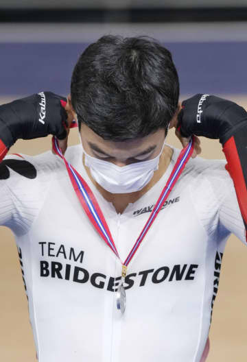 感染対策、選手自らメダルを首に 自転車トラック種目でテスト 画像1