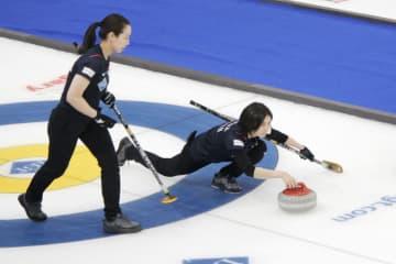 カーリング、中国に敗れ1勝2敗 女子世界選手権1次リーグ 画像1