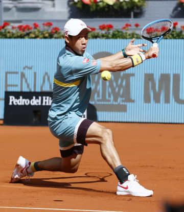 錦織圭、逆転で2回戦進出 テニスのマドリード・オープン 画像1