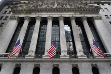 NY株最高値、229ドル高 3日連続、緩和継続期待で 画像1