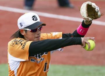 ソフトボール上野由岐子が3連投 五輪前最後の日本リーグ 画像1