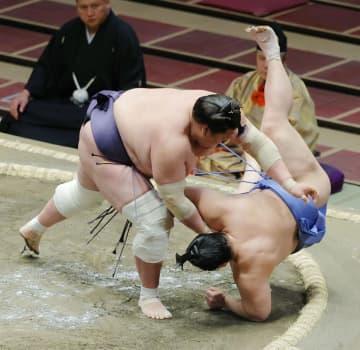 照ノ富士3連勝、朝乃山は連敗 貴景勝、正代は2勝目 画像1