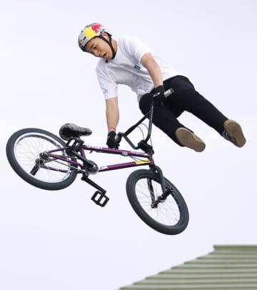 自転車BMX、中村が高難度の技 骨折からの復帰戦 画像1