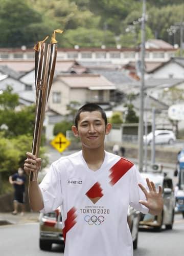 神楽舞う生徒ら、聖火つなぐ 出雲大社を経て松江城へ 画像1