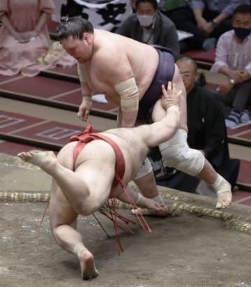 照ノ富士9連勝で首位維持 1敗消え、2差に5人 画像1