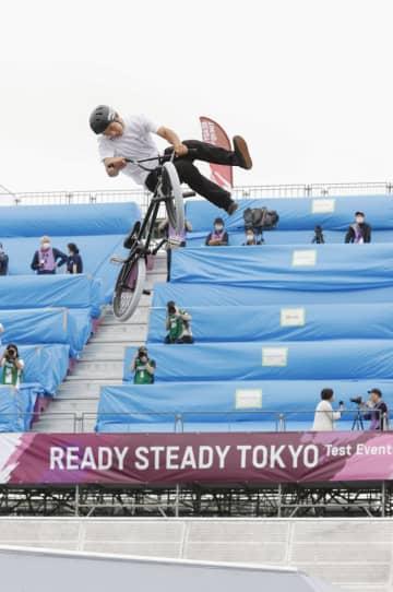 自転車BMXパークで五輪テスト 雨で決勝中止、作業を確認 画像1