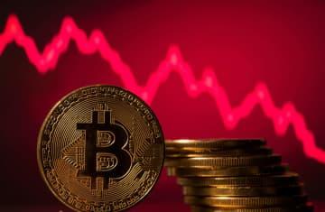 ビットコイン急落、3万ドル 最高値の半値、荒い値動き 画像1