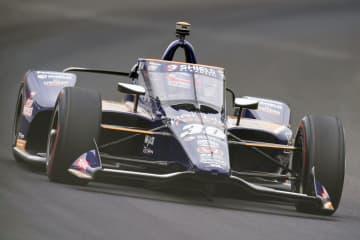 佐藤琢磨は15位で決勝進出 インディ500予選第1日 画像1