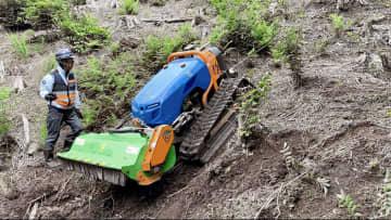 過酷な草刈り、ロボがお助け 農中や住友林業、実用化へ 画像1