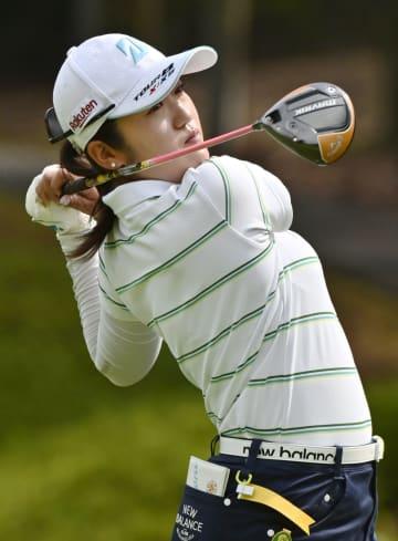 稲見が通算-10で首位浮上 女子ゴルフ第2日 画像1
