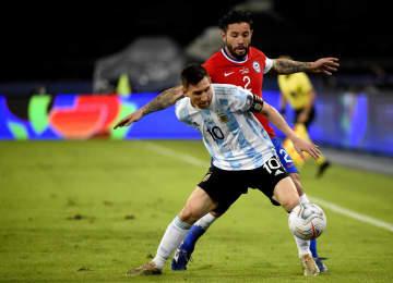 アルゼンチン、チリと引き分け サッカー南米選手権、1次リーグ 画像1