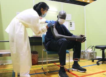 五輪合宿の南スーダン選手が接種 前橋「リスク減り感謝」 画像1