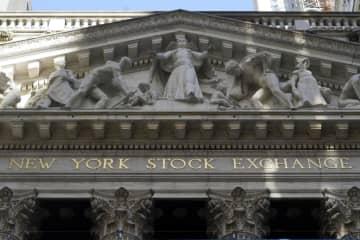 NY株反発、586ドル高 買い戻し、景気回復期待で 画像1