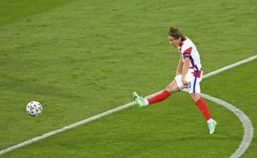 クロアチアが決勝T進出 イングランド、チェコと 画像1