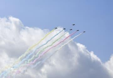 五輪パラ、ブルーインパルス飛行 それぞれの開会日に都内上空 画像1