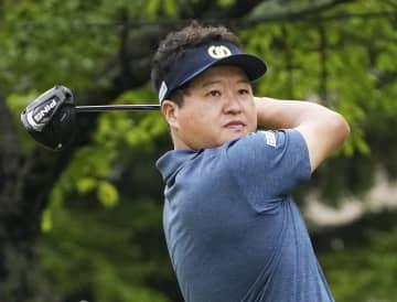 41歳の白佳和、63で暫定首位 男子ゴルフ第1日 画像1