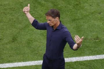 オランダ代表のデブール監督退任 欧州選手権で16強止まり 画像1