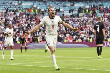 イングランド、独下し準々決勝へ 欧州サッカー、ウクライナも 画像1