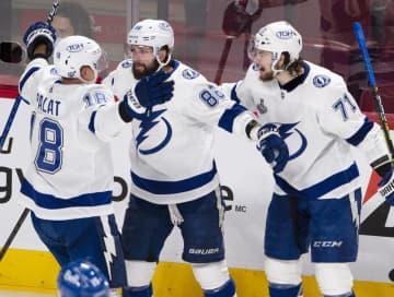 ライトニング、2連覇へあと1勝 NHLスタンリー杯 画像1