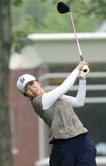 堀琴音が首位、1打差に10人 女子ゴルフ第1日 画像1