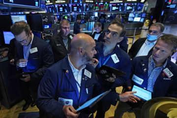 NY株反落、299ドル安 感染再拡大で回復遅れ懸念 画像1
