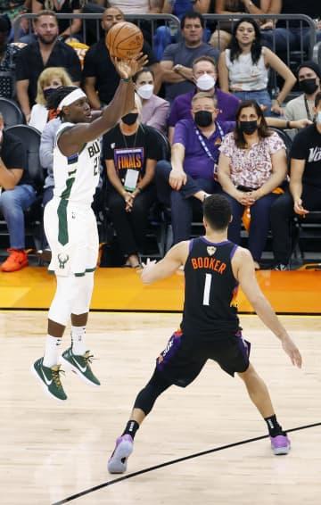 バックスが3勝目、NBA決勝 第5戦、リーグ制覇にあと1勝 画像1