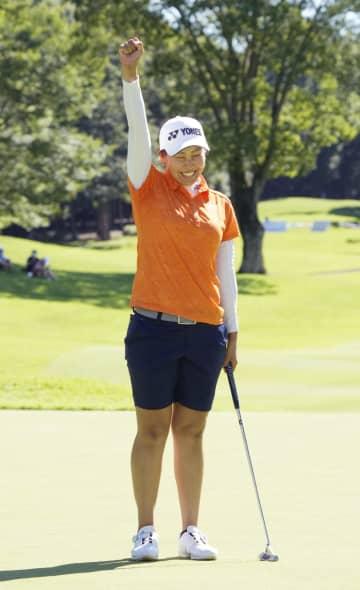 女子ゴルフ、若林4年ぶり4勝目 GMO&サマンサ・カップ 画像1