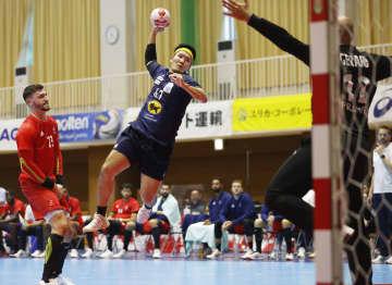 ハンドボール、日本は仏に大敗 ジャパンカップ 画像1