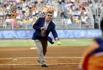 バッハ会長、野球で始球式 28日福島での日本開幕戦 画像1