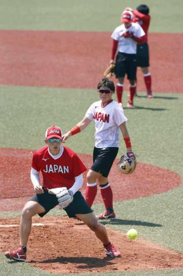 ソフトボール日本代表が公式練習 福島で21日に開幕戦 画像1