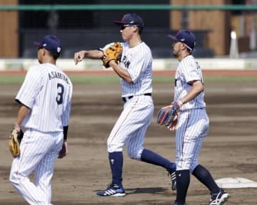 五輪野球、日本代表が強化合宿 守備の連係プレーを確認 画像1