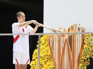 五輪聖火、東京都庁にゴール 121日間、1万人がつなぐ 画像1