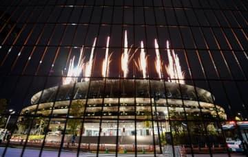 東京五輪、異例の無観客で開幕 テニス大坂なおみが聖火ともす 画像1