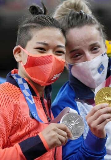 柔道、渡名喜風南が銀メダル 日本の第1号、通算500個に 画像1
