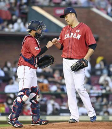 野球日本代表、快勝で締める 五輪前最後の強化試合 画像1