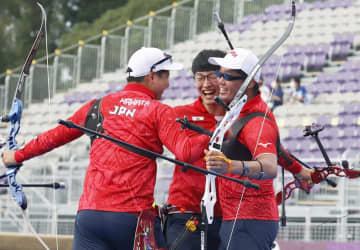 日本男子団体、初の銅メダル アーチェリー・26日 画像1