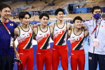 日本、男子団体総合で「銀」 体操・26日 画像1