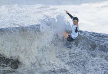 サーフィン女子、都筑が「銅」 3位決定戦、強豪の米選手下す 画像1