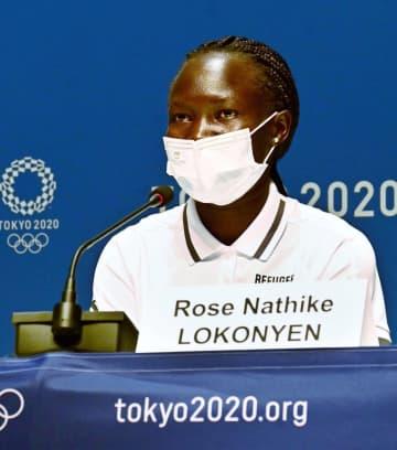 五輪の難民選手団「希望届ける」 会見で尽力誓う 画像1