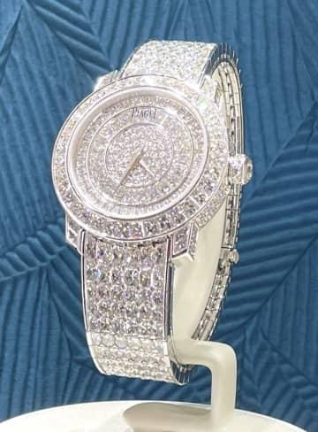 名古屋に最大級の高級時計売り場 最高は7000万円 画像1