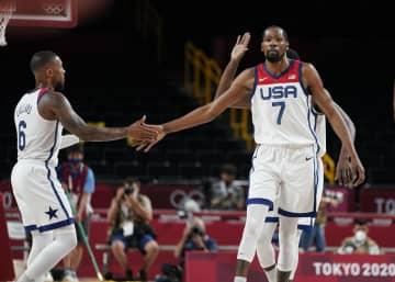 4連覇狙う米国、イランに快勝 バスケットボール・28日 画像1
