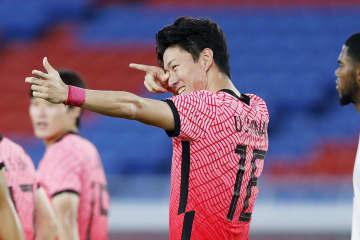 サッカー韓国、初戦黒星も挽回 B組を首位で通過 画像1