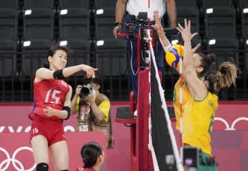 女子日本、ブラジルに敗れ2敗 バレーボール・29日 画像1