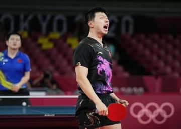 男子単、中国の馬竜が2連覇 卓球・30日 画像1