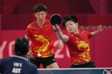 卓球女子、選手交代の中国が快勝 団体1回戦、オーストリア戦 画像1