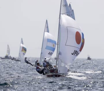 470級、日本は男女ともに6位 セーリング・1日 画像1