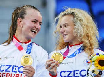チェコ女子で初の金、五輪テニス 「メダルを誇りに思う」 画像1