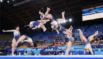 村上茉愛が床運動で銅メダル 体操・2日 画像1
